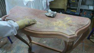 restauracion de muebles de madera tallada